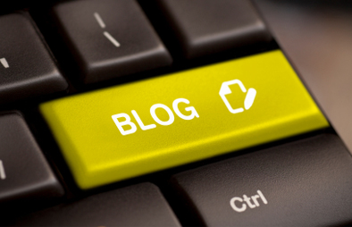 """Keyboard with a """"BLOG"""" button."""